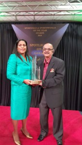 Sonja Johnson, TTCA President and Bhisham Soondarsingh, 1st VP with Award for Top Administration 2015 (Small)
